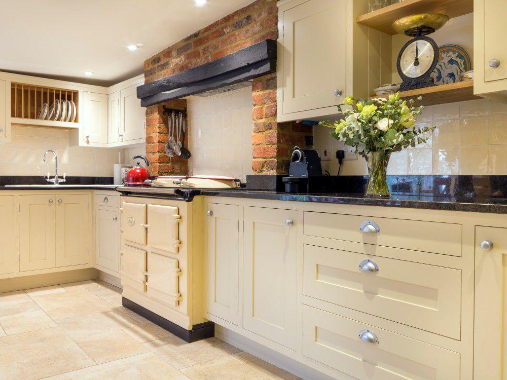 Handpainted_kitchen