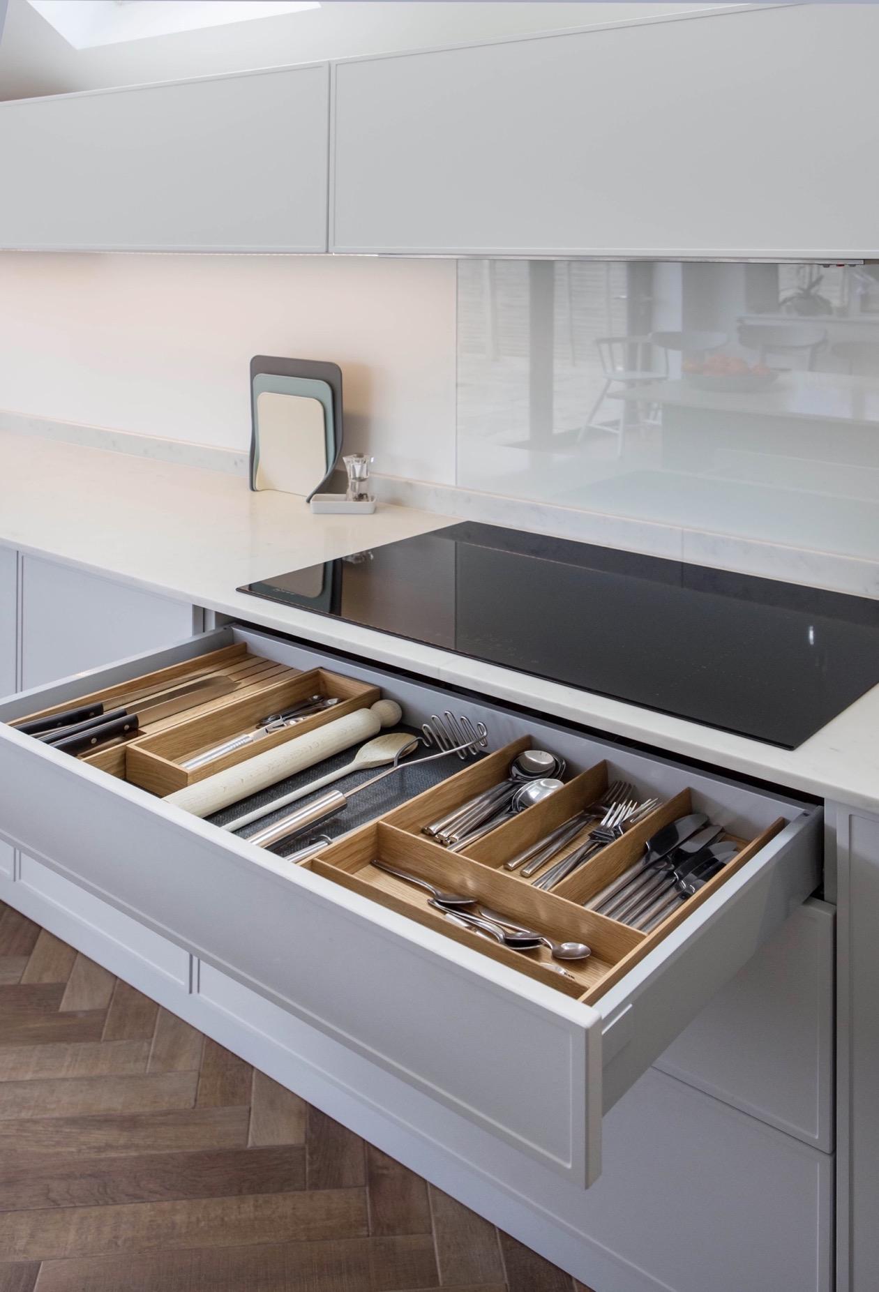 Oak cutlery utensil storage kitchen storage bespoke kitchen kingsey longwick thame bucks 3