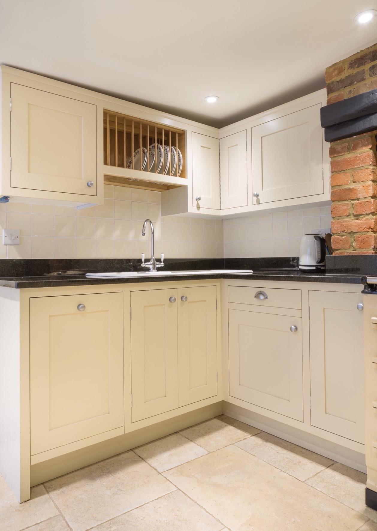 Oak plate rack bespoke inframe kitchen handpainted amersham buckinghamshire 2