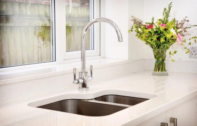 Undermounted sink drainer grooves quartz worktops and windowsill oxford 1024x657