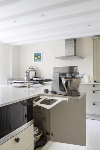 appliance storage lift up bespoke kitchen white quartz worktops shabbingdon buckinghamshire 683x1024