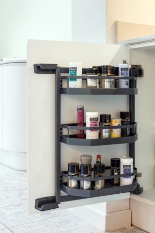 base cupboard kitchen door storage kitchen designers oxfordshire 683x1024