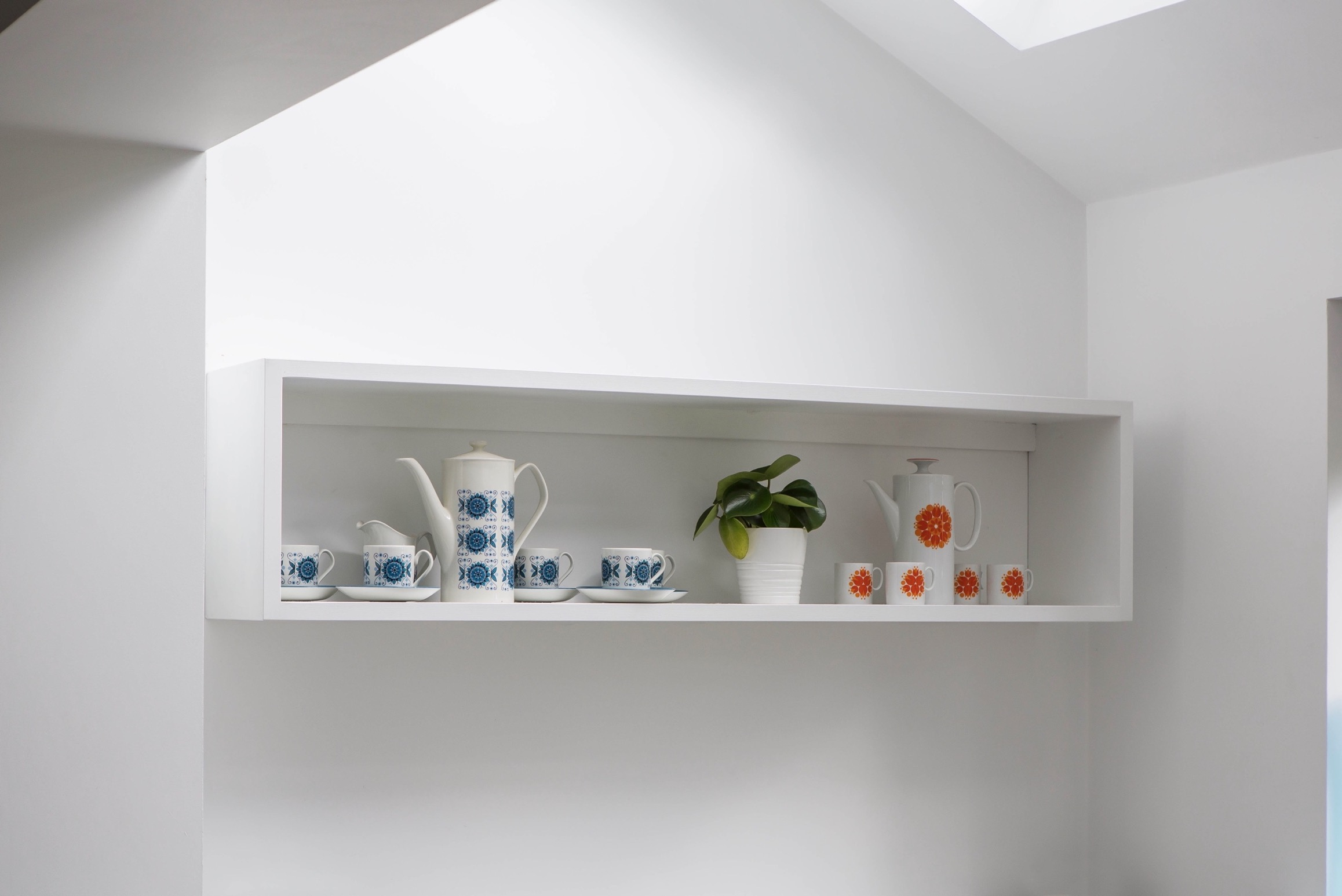 box cupboard shelf handpainted wendover buckinghamshire 2