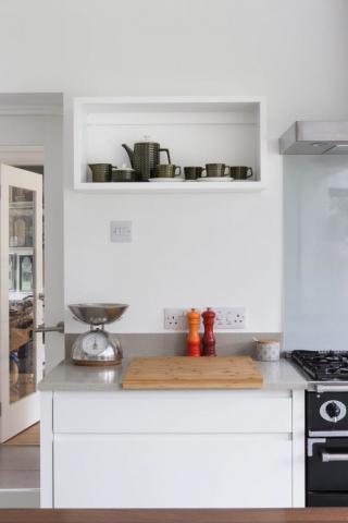 box cupboard shelf handpainted wendover buckinghamshire 682x1024