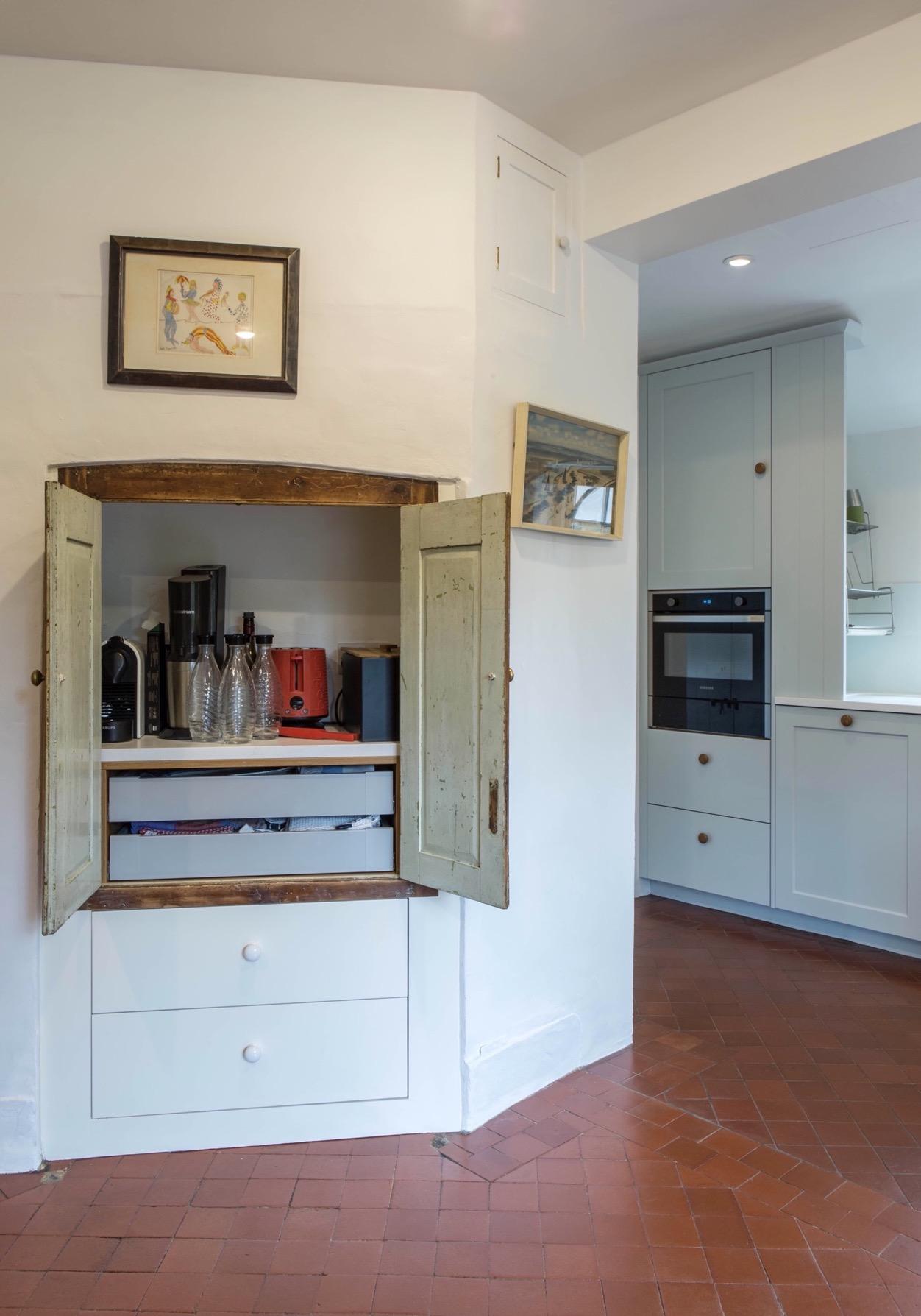 clever inset storage upcycled doors haddenham buckinghamshire bespoke kitchen 2