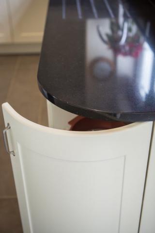 curved kitchen door bespoke kitchen wendover buckinghamshire princes risborough 682x1024
