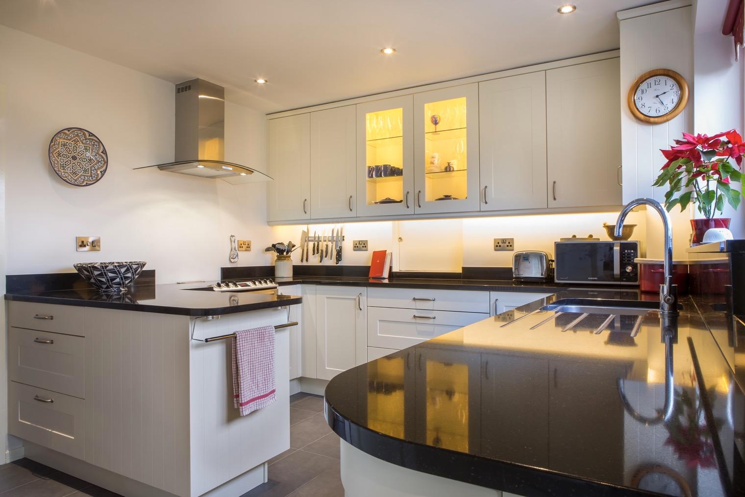 curved kitchen long crendon buckinghamshire
