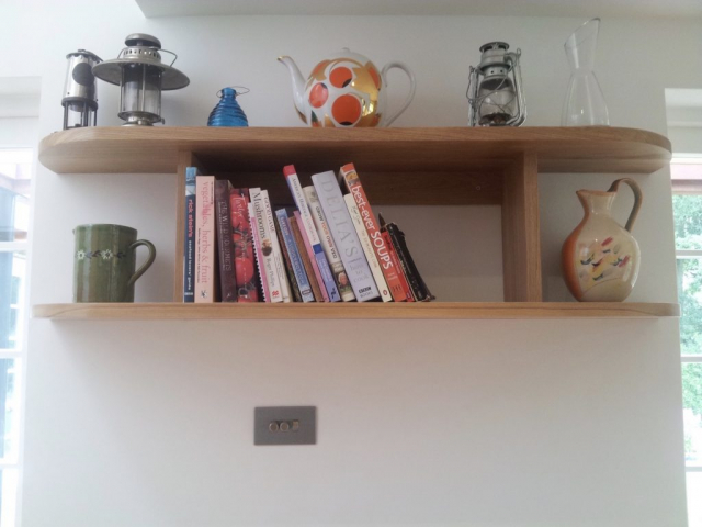 curved oak shelves chinnor hill oxfordshire 1024x767