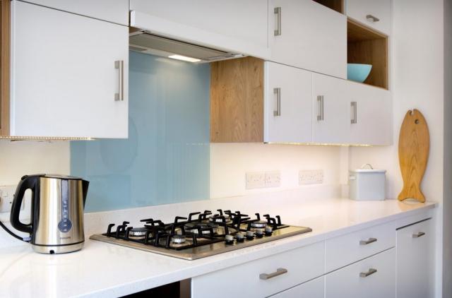 glass backsplash kitchen north oxford oxfordshire 1024x675