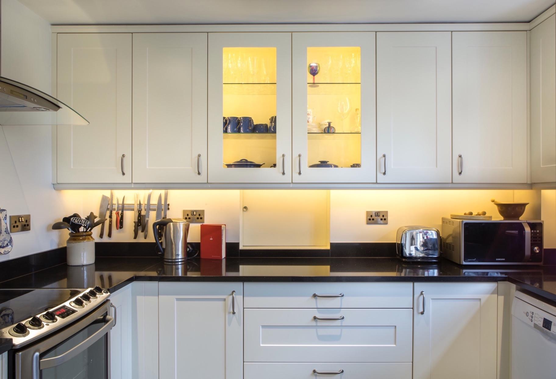 glazed wall cupboards with glass shelves long crendon buckinghamshire 2