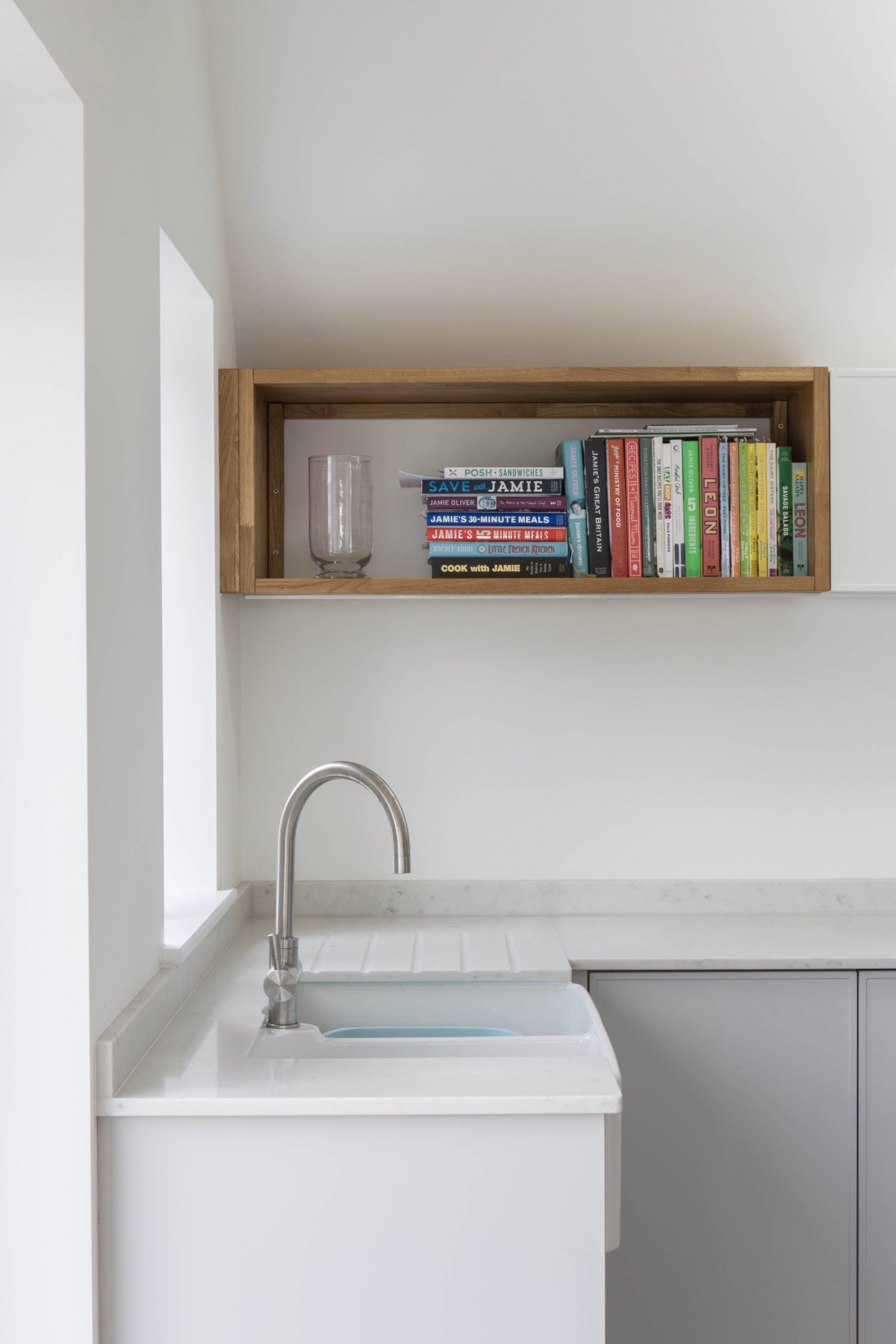 grey white kitchen oak box shelf oxfordshire 1 scaled