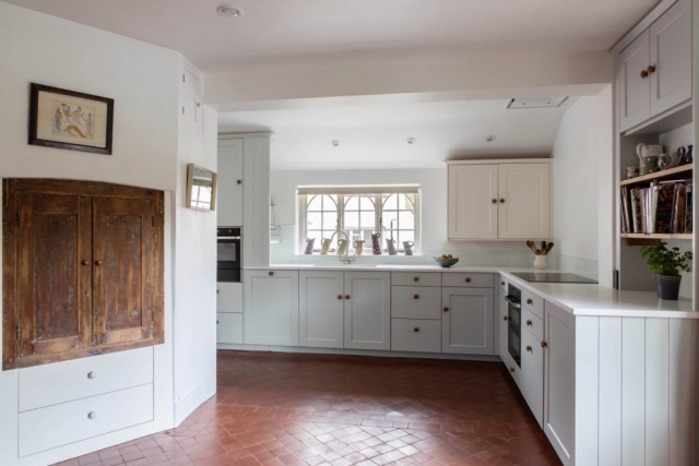handpainted kitchen made to measure haddenham bespoke buckinghamshire 1 1 1024x683