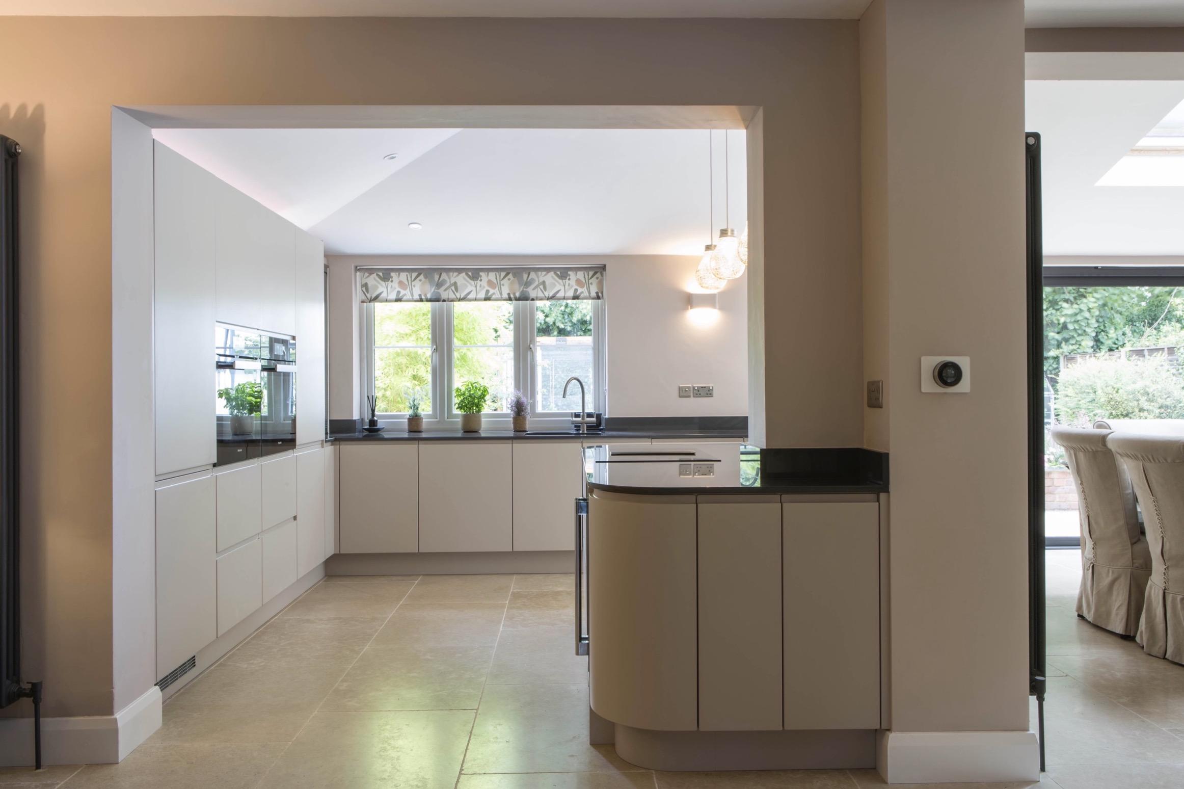 mocha handleless kitchen goring oxford 1