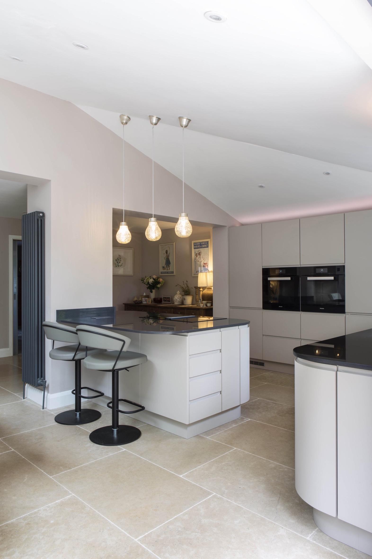 mocha handleless kitchen goring oxford breakfast bar stools 1