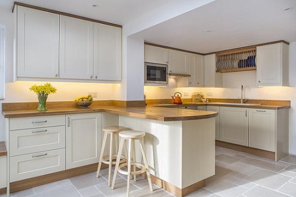 oak handpainted breakfast bar kitchen stools oak worktops platerack buckinghamshire 1