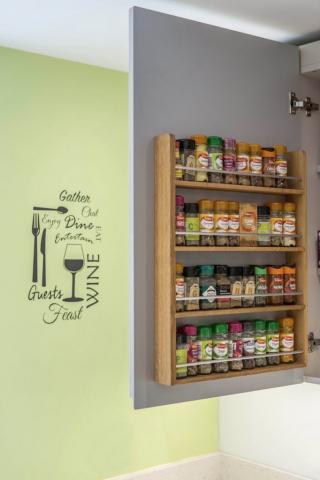 oak spice rack kitchen wall cupboard wendover aylesbury kingsey buckinghamshire kitchen design 682x1024