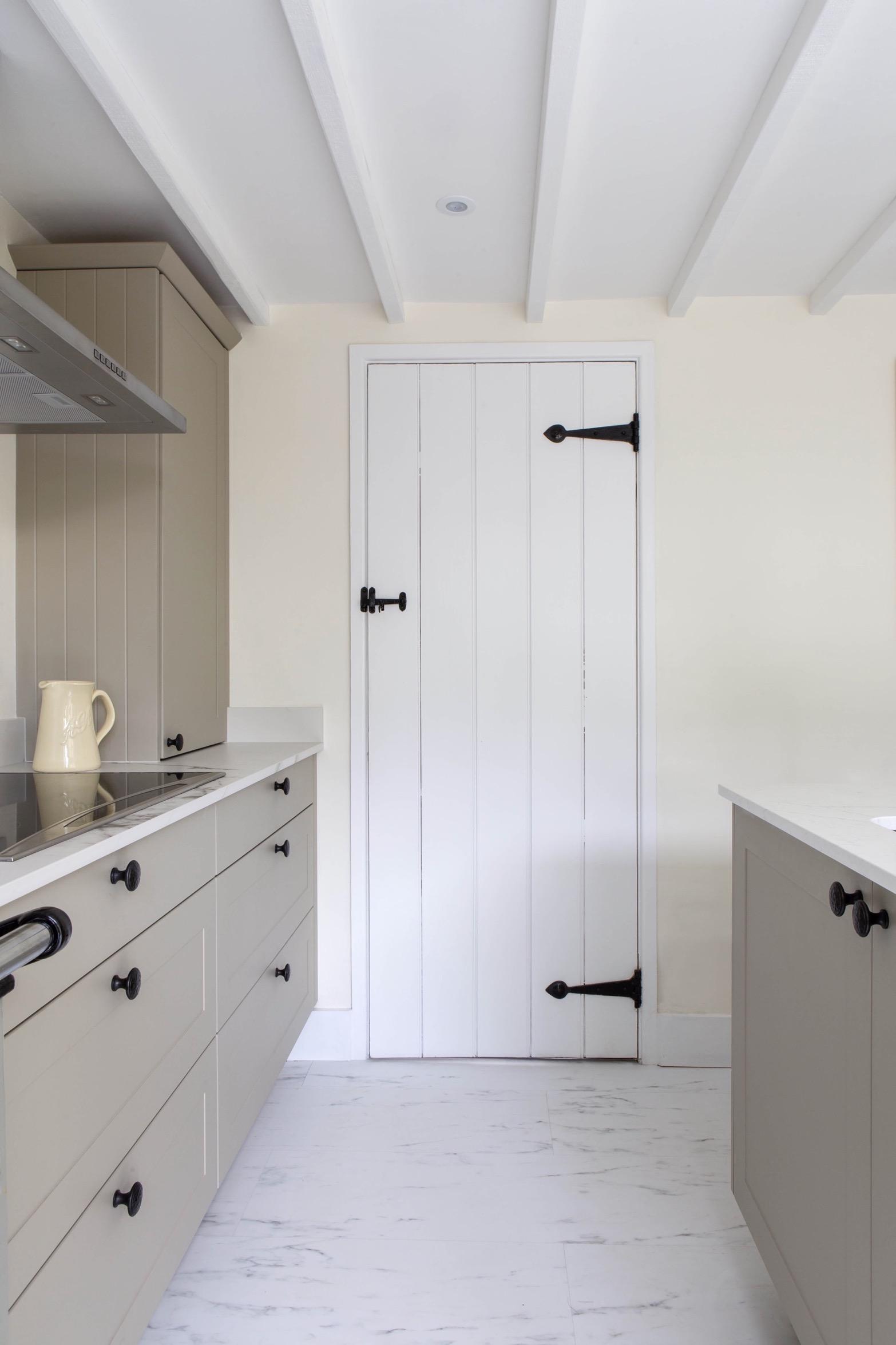 pan drawers induction hob worktop dresser worminghall oakley buckinghamshire 2 1