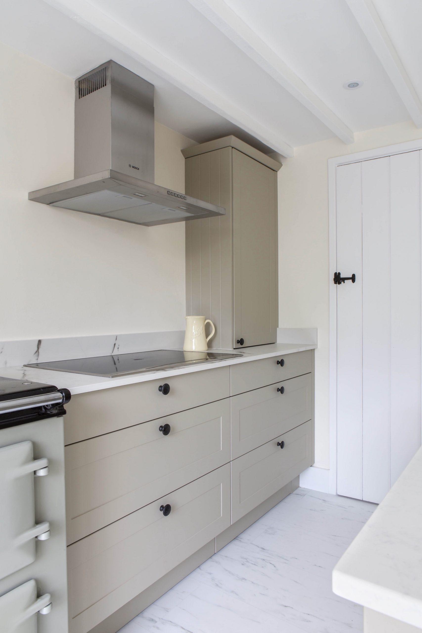 pan drawers induction hob worktop dresser worminghall oakley buckinghamshire scaled