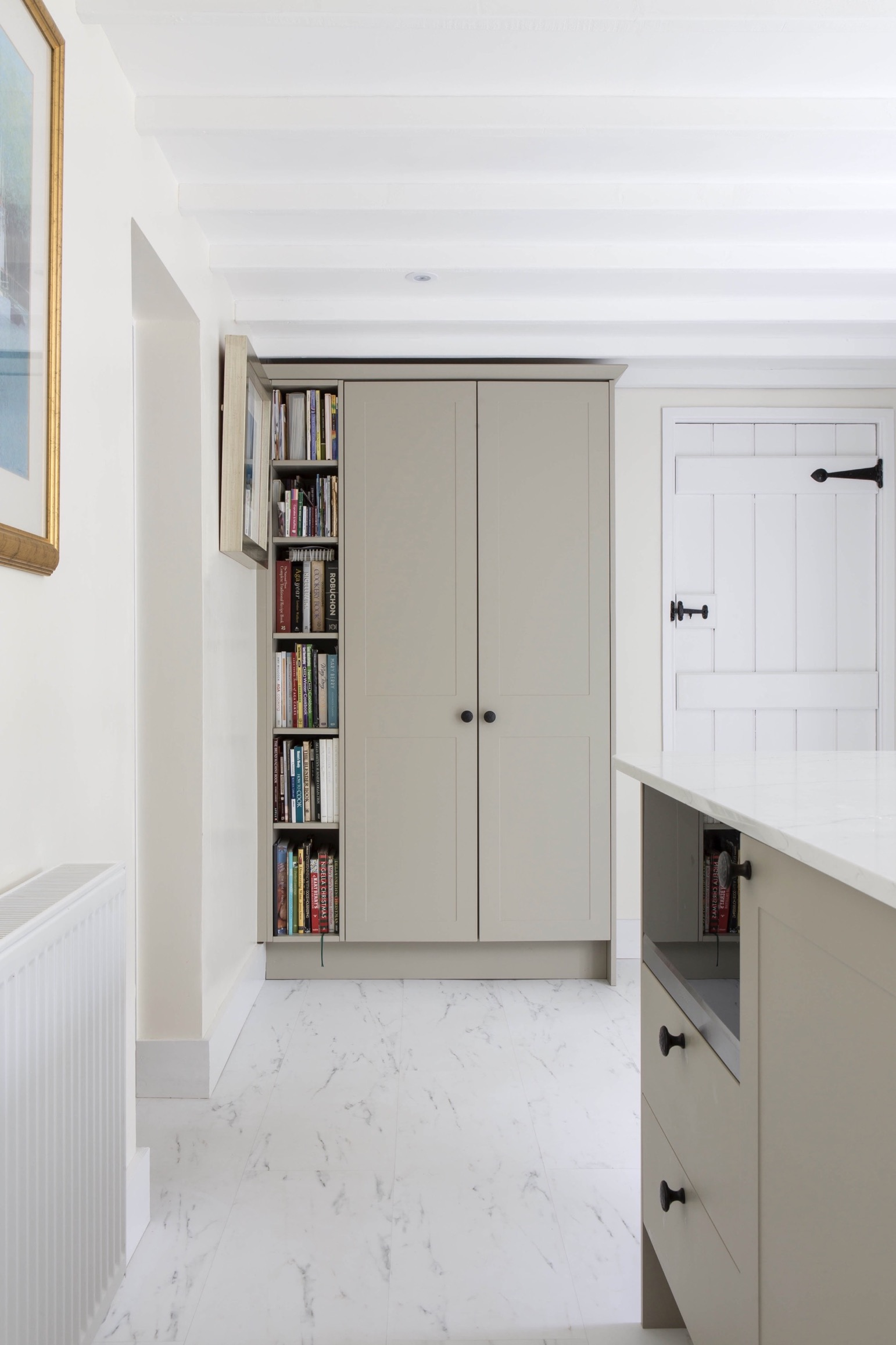 tall bookshelf kitchen bespoke island white silestone worktops worminghall oakley buckinghamshire 1