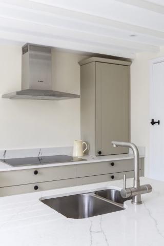 worktop dresser cupboard bespoke kitchen white quartz worktops shabbingdon buckinghamshire 683x1024